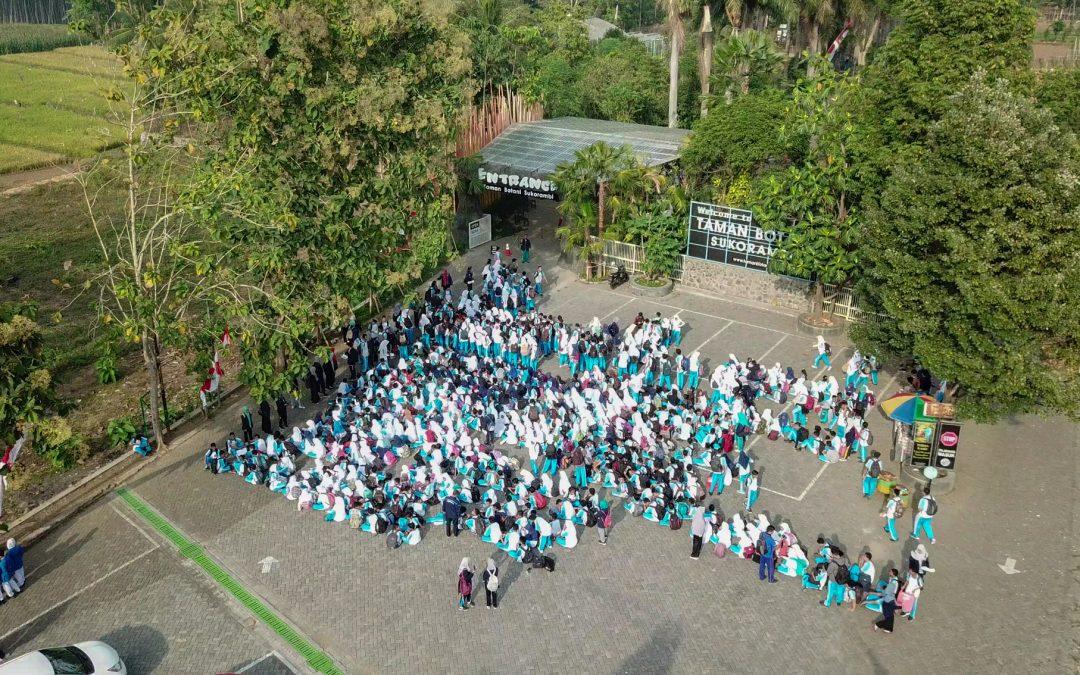 Isi Tengah Semester dengan Belajar di Taman Botani Sukorambi